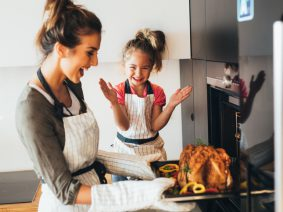 Energy Saving Tips for Cooking Thanksgiving Dinner